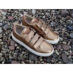 Auksiniai odiniai laisvalaikio batai